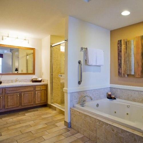 ... Diamond Vacation Resort At Grand Beach Bathroom ...