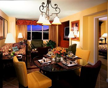 Grandview at Las Vegas Living and Dining Areas