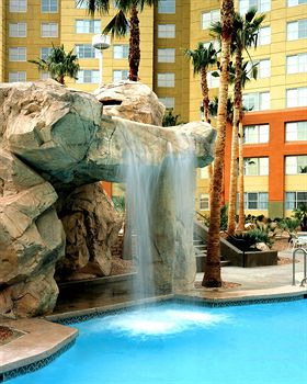 Grandview at Las Vegas Swimming Pool