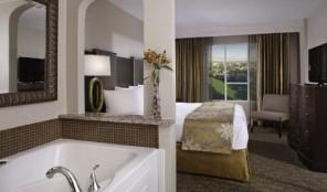Hilton Grand Vacations Club Las Vegas Bed and Bath