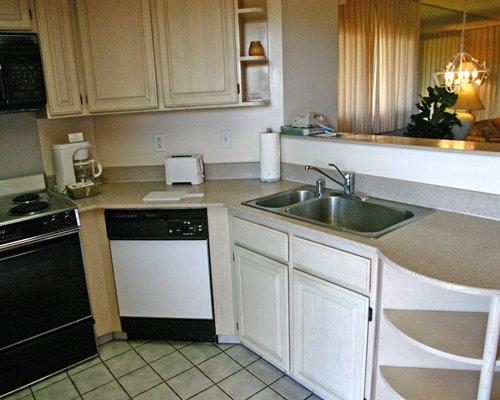 Kahana Falls Kitchen