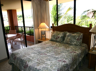 Kahana Falls Master Bedroom