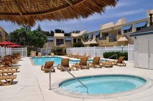 Sand Pebbles Swimming Pool