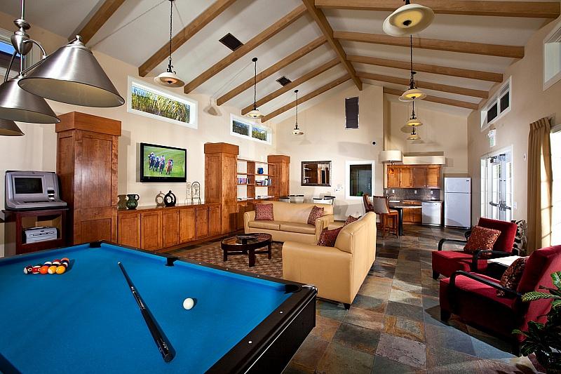 Winners Circle Beach and Tennis Club Lounge
