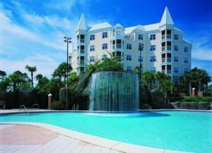 Hilton-Grand-Vacations-Club-at-Seaworld-International-Center-Pool-and-Waterfall