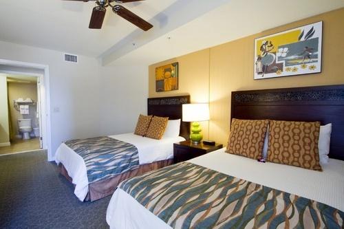 Wyndham Waikiki Beach Walk Bedroom