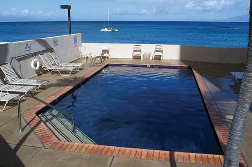Kahana Beach Vacation Club Swimming Pool