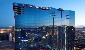 Elara Hilton Grand Vacations Club Exterior