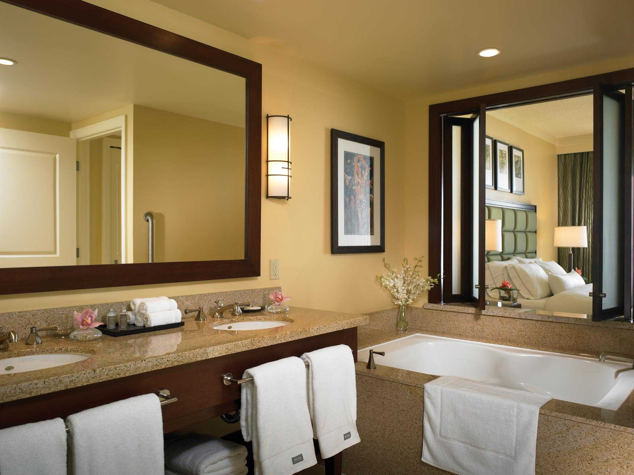 Westin Kaanapali Ocean Resort Villas Bathroom